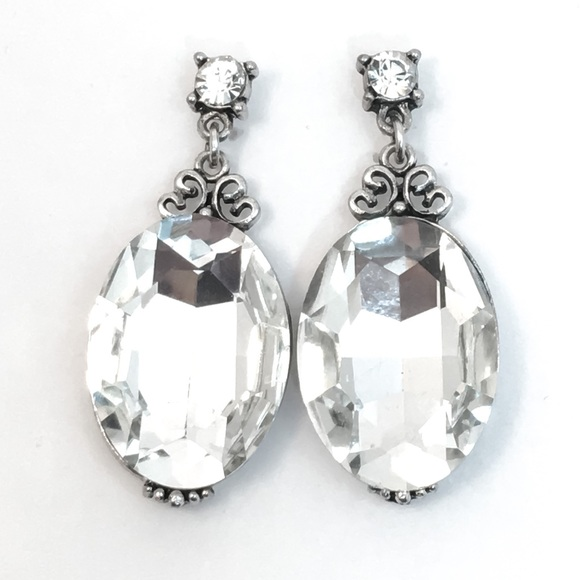 Prom Pageant Bridal Jewelry - Crystal Rhinestone & Antiqued Silver Earrings. e2